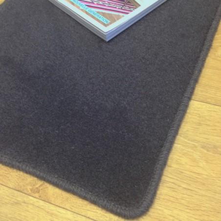 Tapis sur mesure en laine Gris Charbon gamme Velvet finition surjet