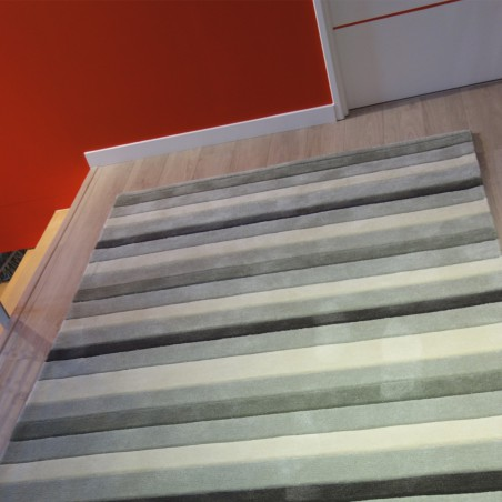 Tapis rayé gris et écru par Tapis Chic Collection