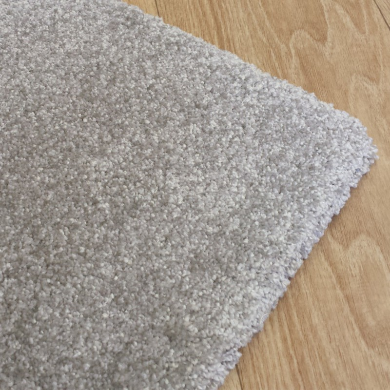 Tapis de salon gris clair sur-mesure par Tapis Chic Collection