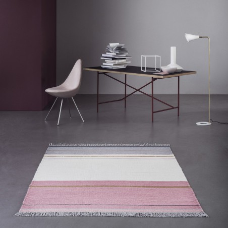 Tapis tissé main Metallum Powder par Linie Design