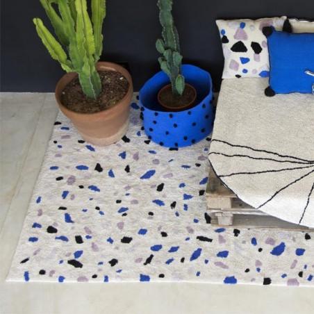 Tapis coton lavable en machine Terrazzo Saphir par Lorena Canals