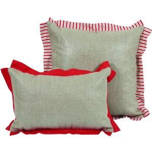 Coussin rouge et gris