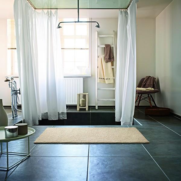 TapisChic Le Blog Informations Tendances Et Bons Plans - Carrelage salle de bain et linie design tapis