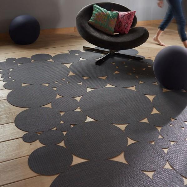 osez un tapis de forme originale pour un relooking personnalis tapis chic le blog tapis. Black Bedroom Furniture Sets. Home Design Ideas