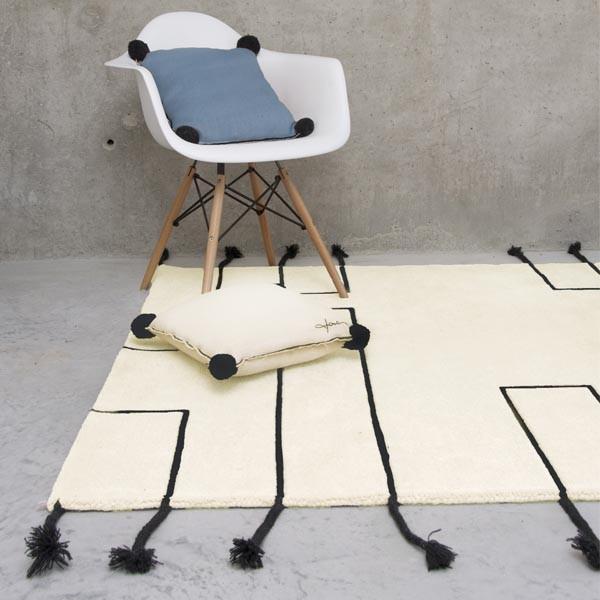 Tapis Design en laine Nordic Lines crème par Lorena Canals Lavable en machine et disponible 4 coloris